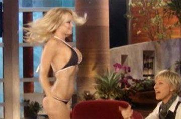 Pamela Anderson - 16